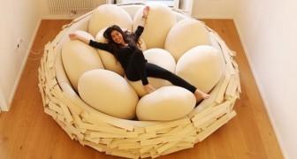 Dieses Bett erlaubt es Ihnen, sich wie in einem Nest auszuruhen, umgeben von riesigen Eiern...