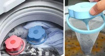 Einmal in die Waschmaschine gesteckt, fangen diese kleinen Plastikblumen die Tierhaare auf der Kleidung auf