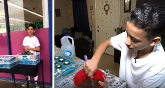 Cada mañana, este joven de 14 años prepara dulces y los vende para ayudar a su madre a pagarse los tratamientos médicos