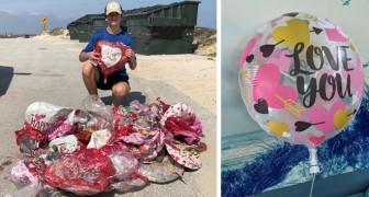 I palloncini regalati a San Valentino inquinavano la spiaggia: un ragazzo ne ha raccolti più di 60