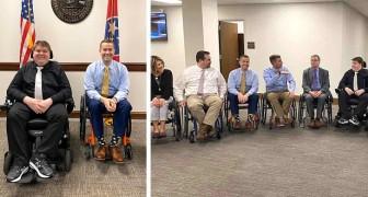 Un ragazzo disabile ha convinto un gruppo di politici locali a trascorrere un giorno in sedia a rotelle