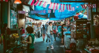 """Coronavirus: """"dierenmarkten heropenen in China waar dieren zoals slangen en vleermuizen nog steeds worden verkocht"""