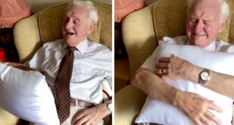 The retirement home gives the 94-year-old resident a cushion with the face of his deceased wife: he bursts into tears