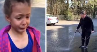 Una niña dibuja en la calle con la tiza: la vecina enojada sale con una manguera y se los borra