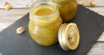 La ricetta semplice e veloce per preparare una dolcissima crema spalmabile al pistacchio