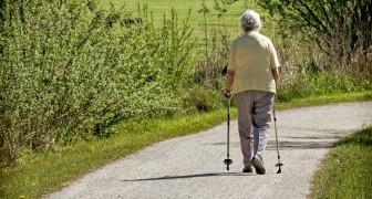 Camminare aiuta a sciogliere le articolazioni, prevenire malattie cardiovascolari e favorisce felicità e motivazione