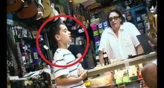 Als dieser Junge zu singen beginnt, kann der Ladenbesitzer seinen Ohren nicht trauen