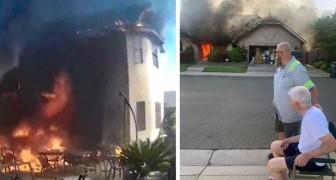 Un netturbino vede del fumo uscire da una casa: si precipita dentro e salva 2 anziani dall'incendio