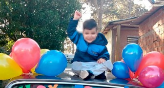 Ik heb kanker overwonnen: een 4-jarige jongen viert zijn laatste chemo met een optocht van gekleurde ballonnen