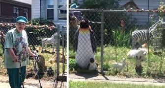 Een oude vrouw bouwt een dierentuin in de achtertuin om alle voorbijgangers te laten glimlachen