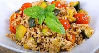 Salada de farro com atum, tomate cereja e abobrinha: o prato simples e nutritivo que traz o verão para a mesa