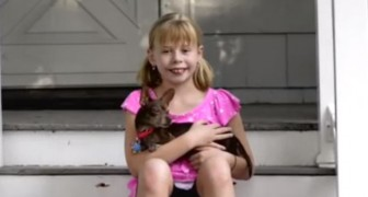 This little girl and her special cihuahua have a lot to teach us !
