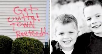 Dos niños defienden a las hermanas Down adoptadas luego que los vecinos mancharan las paredes de su casa con palabras de odio
