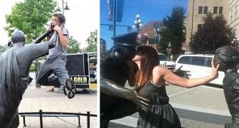 19 personnes qui ont donné vie aux statues en interagissant avec elles avec humour