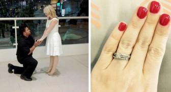 Parece demasiado pequeño: una mujer responde a quienes la criticaron por la foto del anillo de compromiso