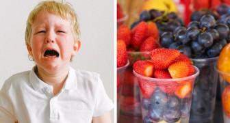 Een 4-jarige barst in tranen uit als de juf zijn lunch weggooit: Het was ongezond