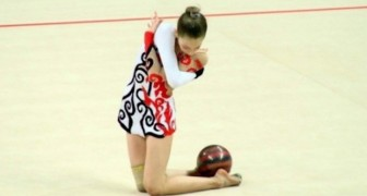 You'll be mesmerized by this spectacular performance at the  rhythmic gymnastics European Championships !