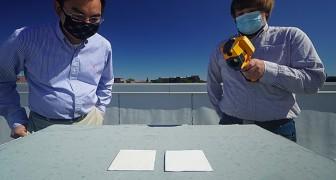 Ingenieure haben einen Speziallack entwickelt, der die Temperatur von Gebäuden und Autos um bis zu 10°C senken kann