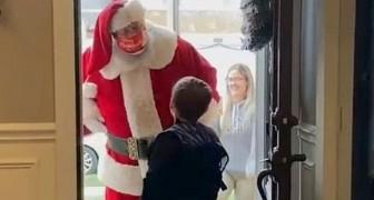 Han ber jultomten om en leksakspistol men tomten säger nej vilket gör att mamman blir tokig