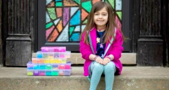 À 7 ans, elle crée des bracelets colorés et collecte 20 000 dollars pour acheter des gants et des masques pour un hôpital