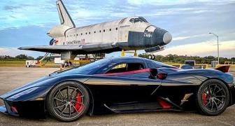 Questa hypercar batte il record di velocità per un'auto di serie: al volante non c'era un pilota professionista