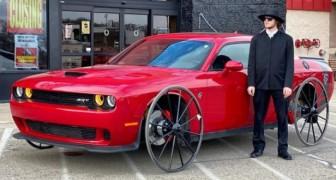 Er kauft ein 45.000-Euro-Auto für ein Experiment: Er ersetzt die Räder durch die einer Kutsche
