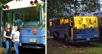Coppia trasforma uno scuolabus in una mini-casa confortevole dove vivere con i figli e il cane