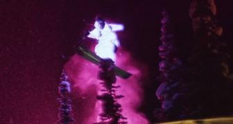 Ils filment 2 skieurs avec des combinaisons lumineuses: le résultat final est superbe