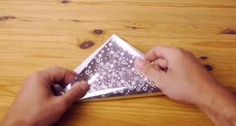 Comece dobrando um papel e no final veja o que irá acontecer.
