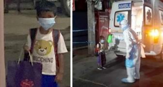 En 6-årig pojke kliver på ambulansen själv efter att ha fått reda på att han har covid-19