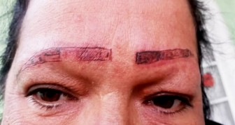Guardate cosa hanno combinato: denuncia i tatuatori dopo che hanno rovinato le sopracciglia della madre