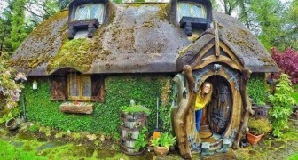 """Un fan de """"Il signore degli anelli"""" costruisce la casa dei suoi sogni in perfetto stile hobbit"""