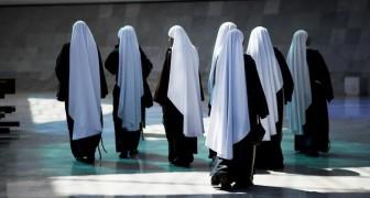 Deux religieuses partent en mission en Afrique et découvrent à leur retour qu'elles sont enceintes