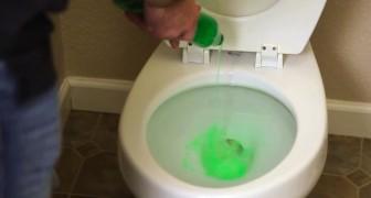 Ein Mann gibt Spülmittel in das Klo: Wenige Minuten später ist das Problem gelöst!