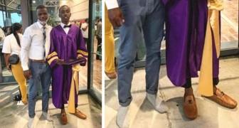 Rischia di non partecipare alla cerimonia del diploma a causa delle scarpe: un insegnante gli presta le sue