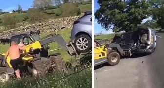 Parcheggiano l'auto davanti all'ingresso di un terreno: il contadino prende la scavatrice e si vendica