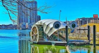 """Questa simpatica macchina galleggiante ripulisce le acque """"divorando"""" 15 tonnellate di rifiuti ogni giorno"""