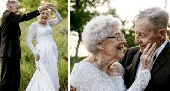 80-Jährige zelebrieren ihren Hochzeitstag, indem sie dieselben Kleider wie auf ihrer Hochzeit vor 60 Jahren tragen