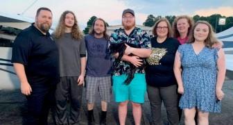 Perdu 10 ans plus tôt, un chien est enfin retrouvé par sa famille à 2 500 km de distance