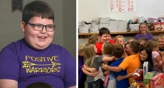 8-jähriger Junge verliert all sein Spielzeug bei einem Brand: Seine Klassenkameraden schenken ihm neues