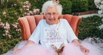 Her granddaughter organizes a fairytale birthday for her: this grandmother celebrates her ninetieth dressed as a princess