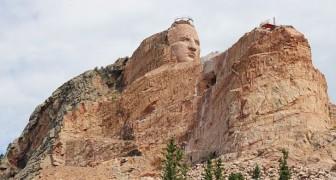 Questo monumento, uno dei più grandi al mondo, è in costruzione da oltre 70 anni