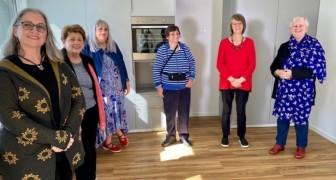 Een groep vrouwen besluit samen te leven en te delen met vrienden tegen de eenzaamheid