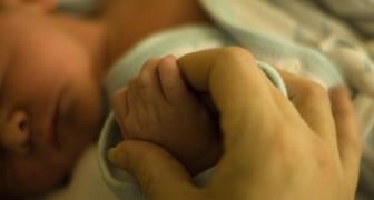 """Kus baby's niet"""": een moeder legt uit waarom je niet te nauw contact moet hebben met kleine kinderen"""
