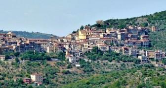 Häuser für 1 Euro: eine Initiative zur Wiederbelebung eines mittelalterlichen Dorfes bei Rom