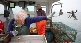 Cette grand-mère de 101 ans continue de travailler à bord d'un bateau de pêche et n'a pas l'intention d'arrêter