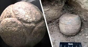 Scoperte in Scozia delle misteriose sfere di pietra: hanno 5.500 anni