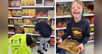 Einem Vater gelingt es, die wunderbare Interaktion zwischen seinem autistischen Sohn und einem Supermarktangestellten aufzunehmen