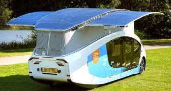 Un team di studenti presenta la prima casa mobile a energia solare: ha un'autonomia di 730 km