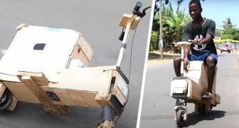 17-jähriger Junge baut einen solarbetriebenen Motorroller aus Holzabfällen